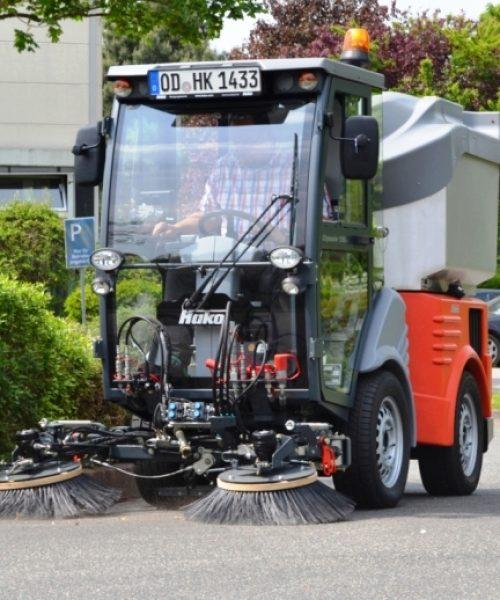 mașina pentru curățenie stradalăstrongCitymaster 1250plus curata cu perii